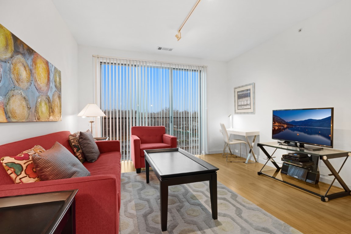 Living area at Stamford Blvd Apartments, Centre, Stamford
