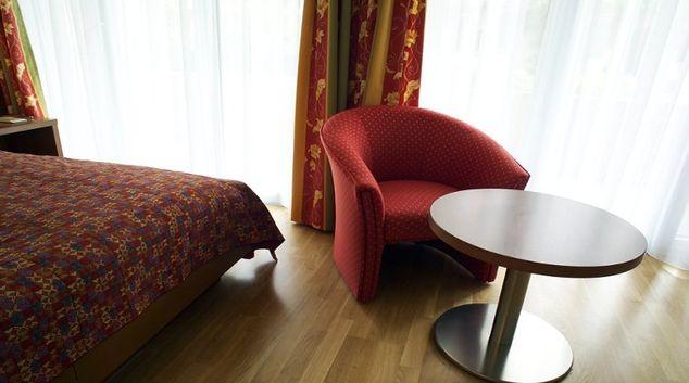 Living area in Florhaus Apartments