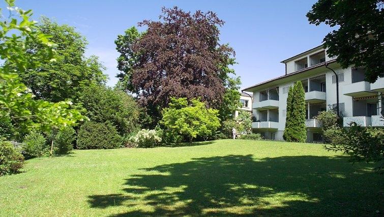 Exterior of Florhaus Apartments