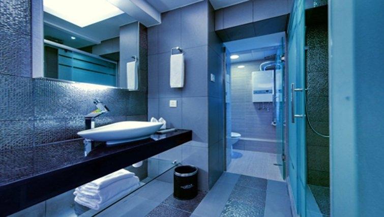 Pristine bathroom in The Bauhinia Apartments