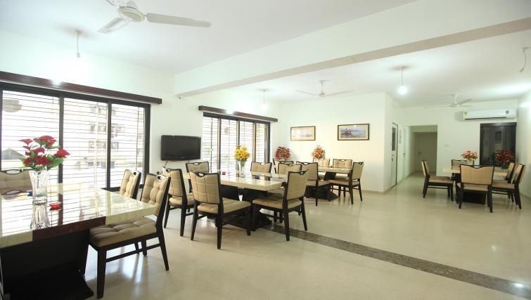 Sensible restaurant in Kalpaturu Apartments