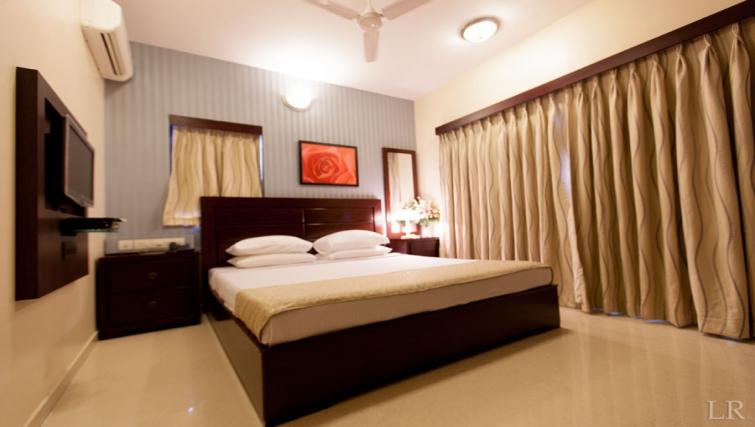 Luxurious bedroom in Kalpaturu Apartments