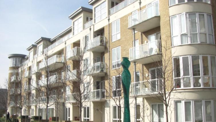 Magnificent exterior to Aqua House Kew Riverside Apartments