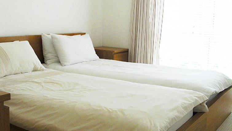 Bright bedroom in Aqua House Kew Riverside Apartments
