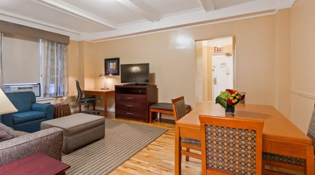Livng room at Best Western Plus Hospitality House, Midtown East, New York