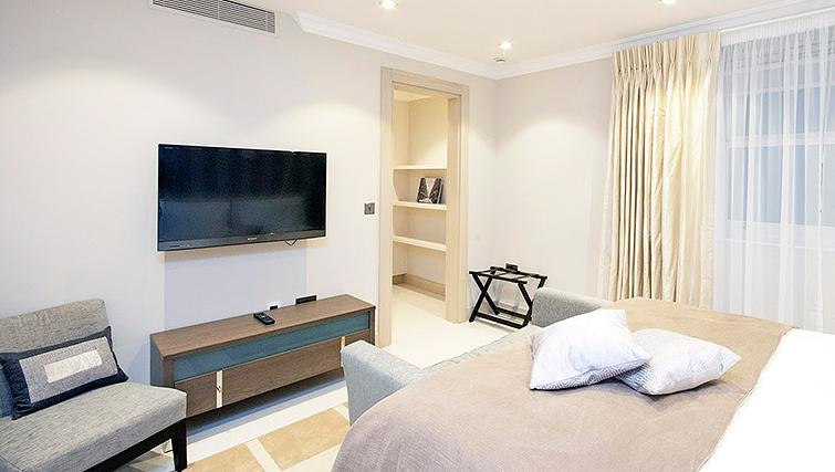 Large bedroom at Claverley Court Apartments
