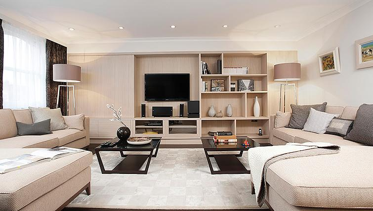 Lovely living area at Claverley Court Apartments