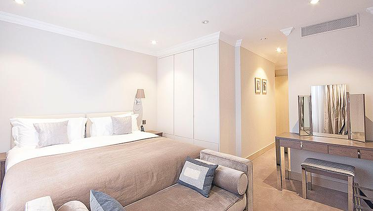 Modern bedroom at Claverley Court Apartments