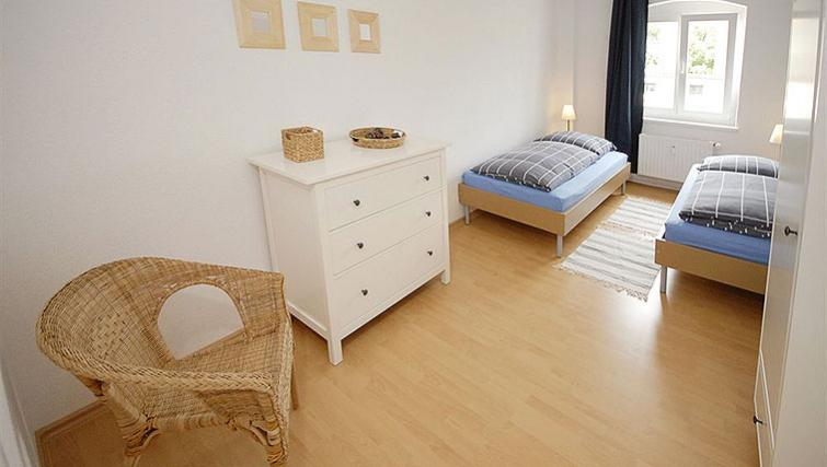 Mature bedroom in Zehdenicker Strasse Apartments
