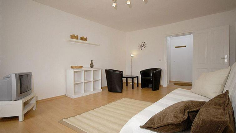 Large living area in Zehdenicker Strasse Apartment