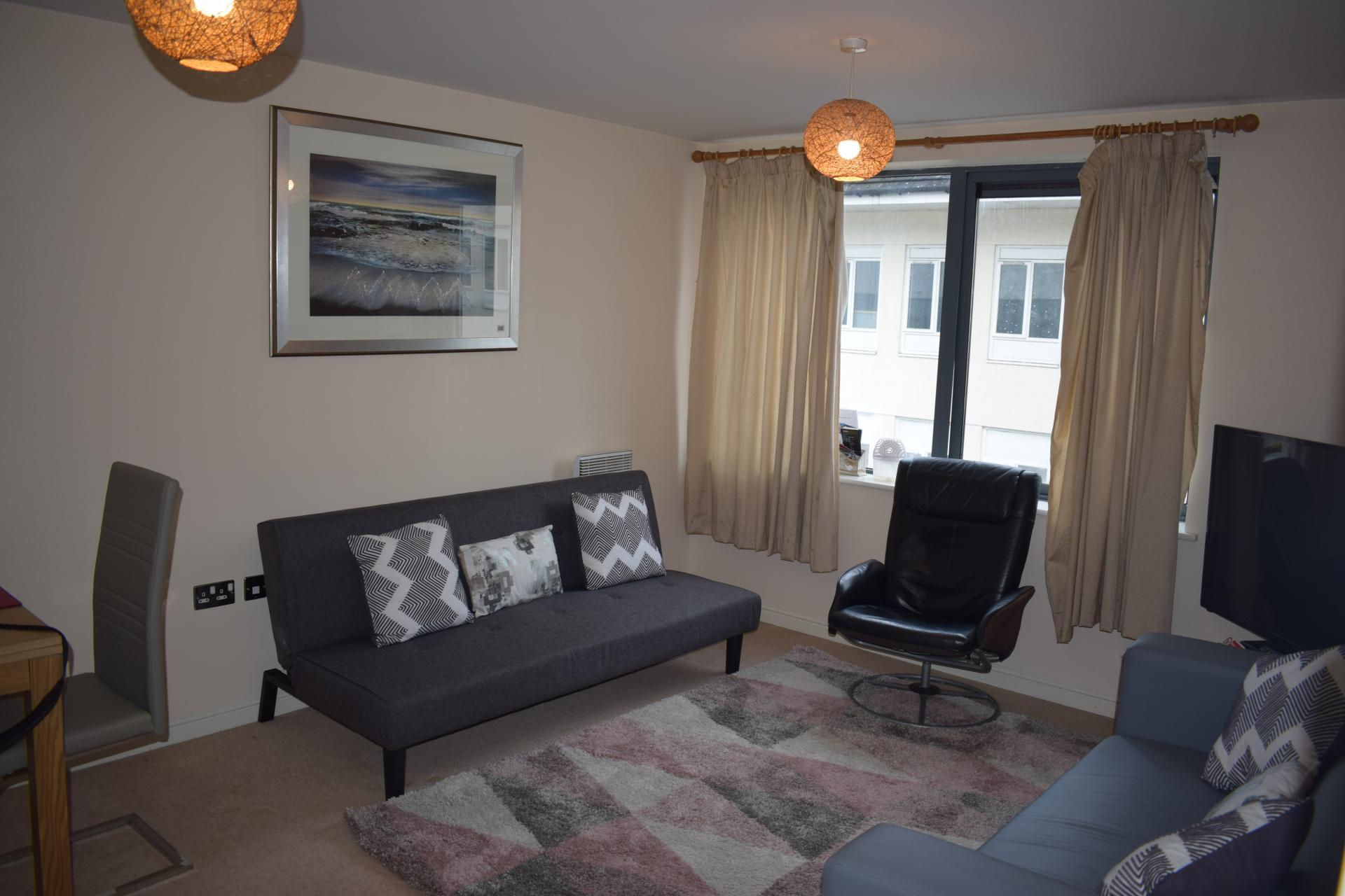 Living area at Queensgate Apartments, Centre, Watford
