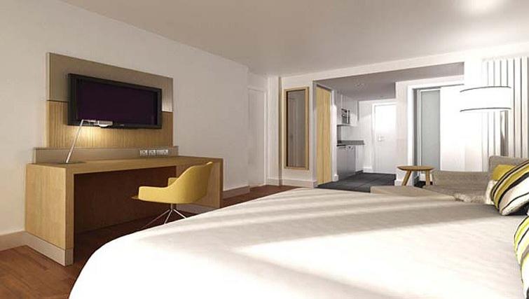 Bright bedroom in Residence Inn Edinburgh