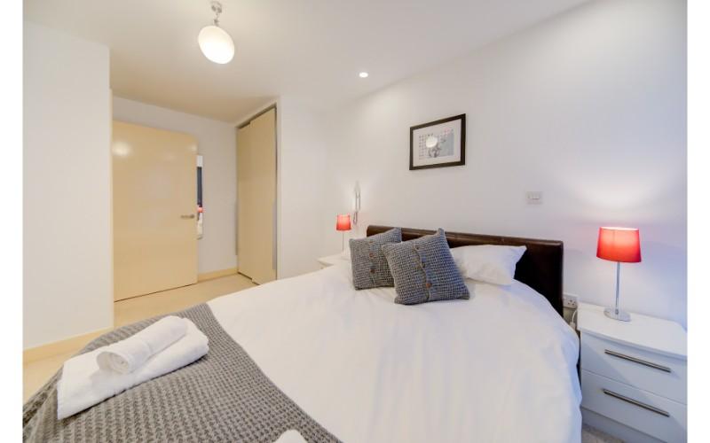 Bedroom at Finzels Reach Apartments