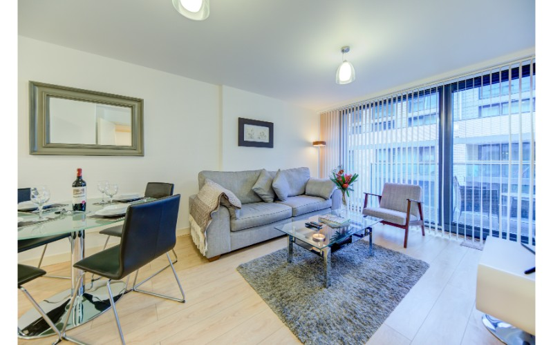 Open-plan living area at Finzels Reach Apartments