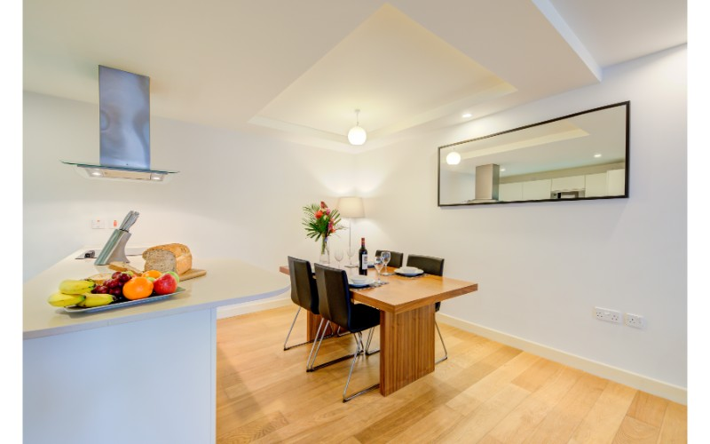 Dining area at Finzels Reach Apartments