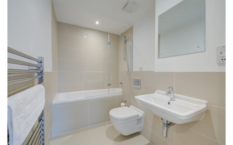 Bathroom at Finzels Reach Apartments