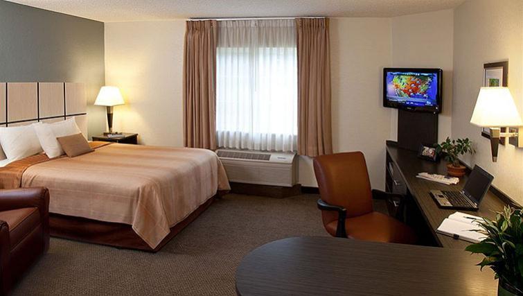 Charismatic bedroom in Candlewood Suites Boston Braintree