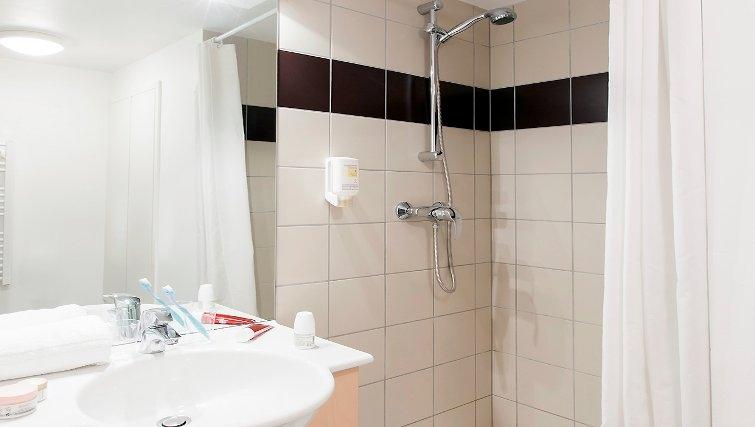 Bright bathroom in Adagio Access Saint Louis Bale