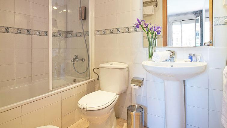 Bathroom in Grandom Suites Barcelona