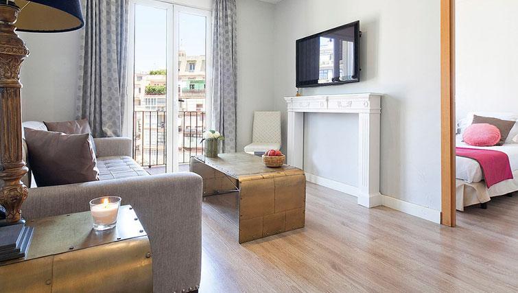 Modern living area in Grandom Suites Barcelona