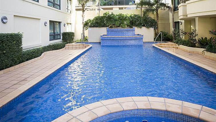 Swimming pool at Mantra Parramatta