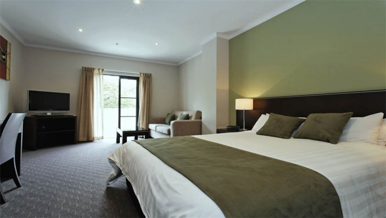 Spacious bedroom at Mantra on Frome