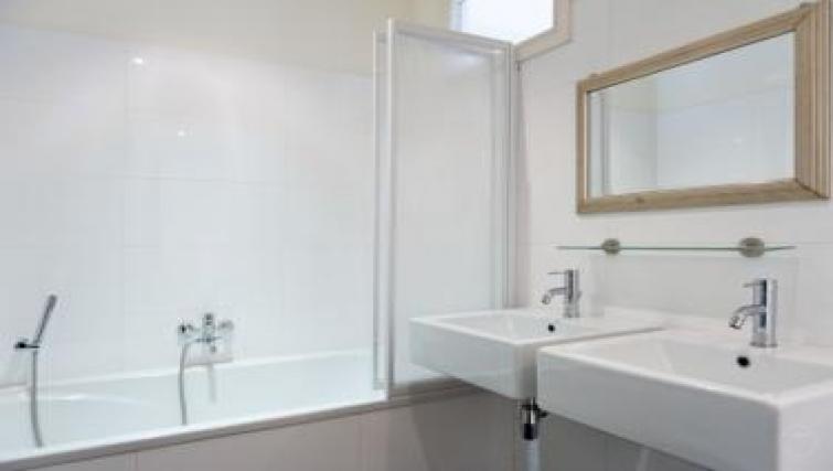 Bath at Executive Apartments, Amsterdam