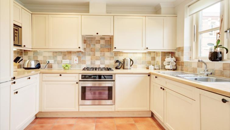 Kitchen in 6 Chelsea Square Apartments