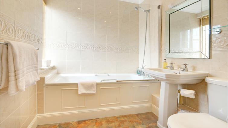 Sensational bathroom in 6 Chelsea Square Apartments
