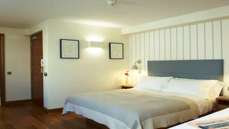Sensational bedroom in Turnmill Street Apartments