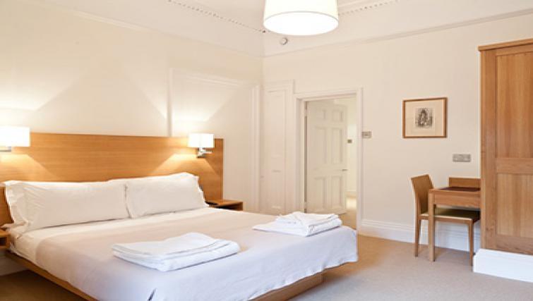 Simple bedroom in Doughty Street