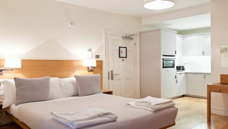 Comfortable bedroom in Doughty Street