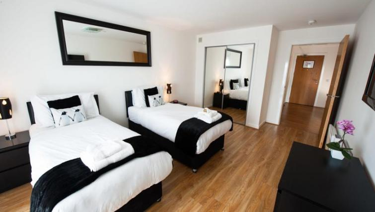 Twin beds at Westport Luxury Serviced Apartments