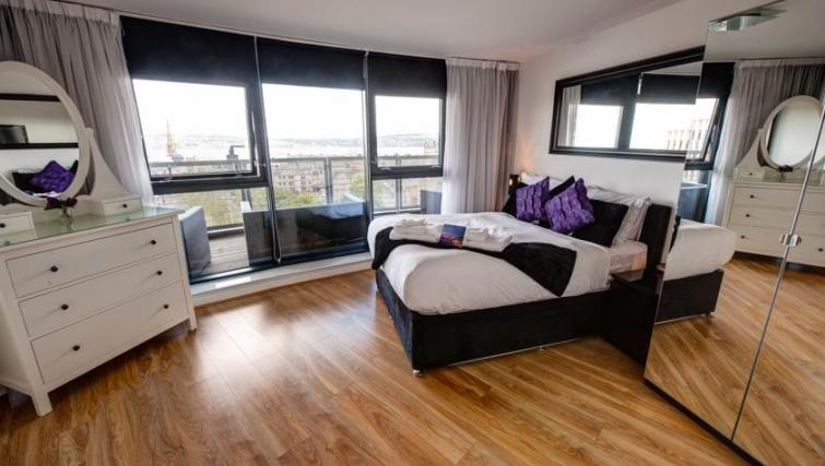Bedroom in 2 bed at Westport Luxury Serviced Apartments