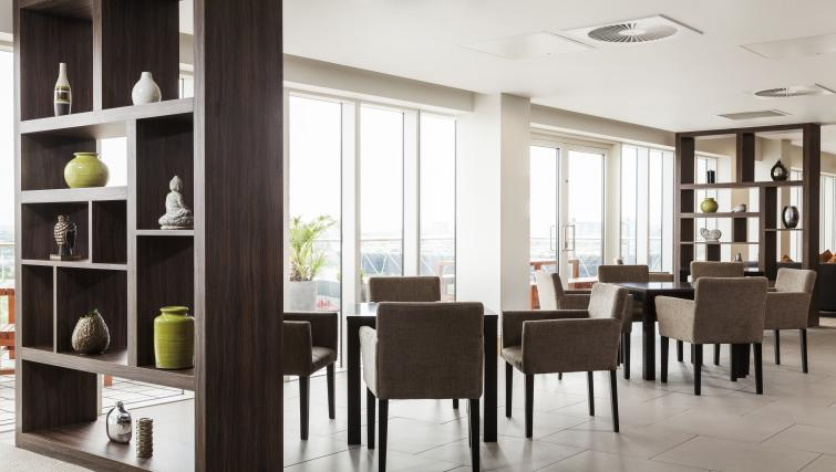 Communal area at Staybridge Suites London Stratford City