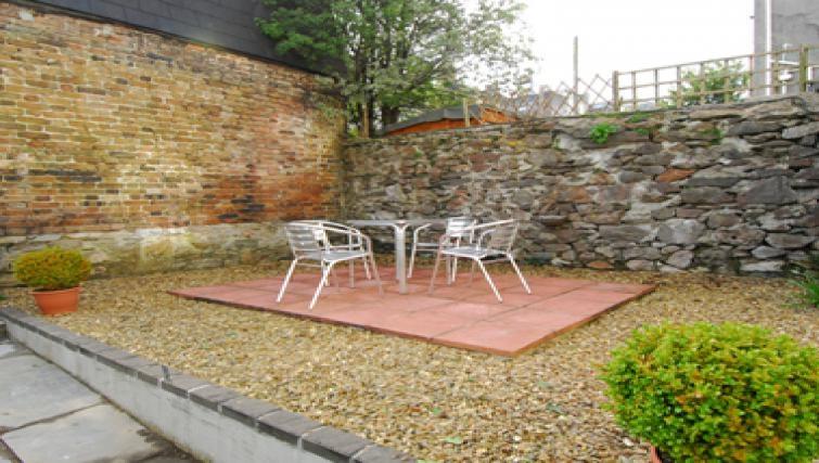 Modern patio area in Belgrave Apartments