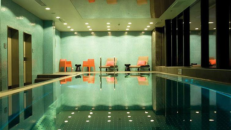 Swimming pool at Adina Apartment Hotel Frankfurt Neue Oper