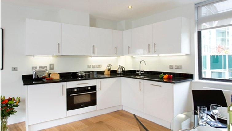 Bright kitchen in SACO St Pauls - Red Lion Court