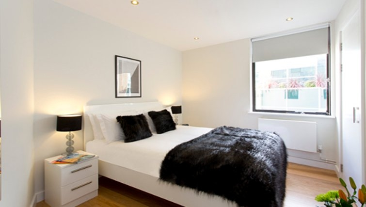 Modern bedroom in SACO St Pauls - Red Lion Court