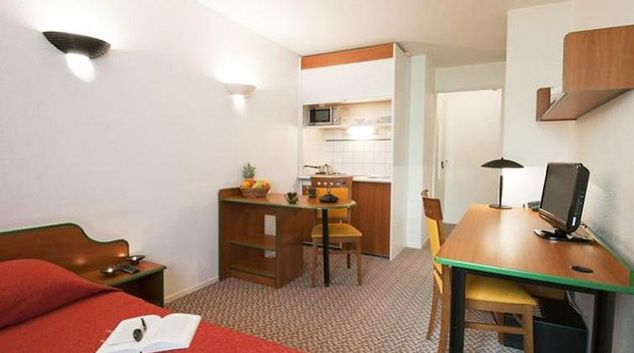 Spacious studio apartments in Adagio Access La Defense Leonard de Vinci