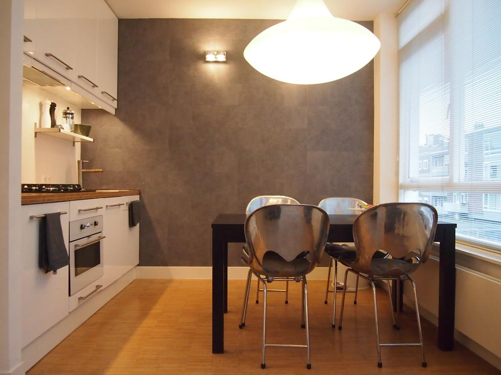 Dining area at Cocoon Apartment, Centre, Rotterdam