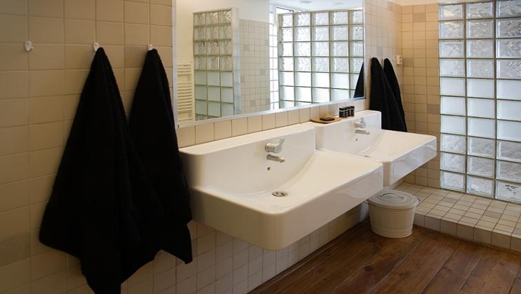 Modern bathroom at Rooftop Suites
