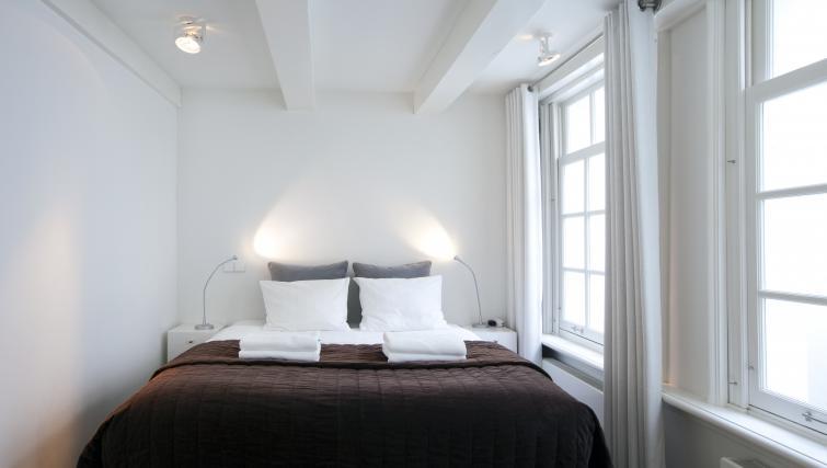 Large bedroom at Charles Studios, Amsterdam
