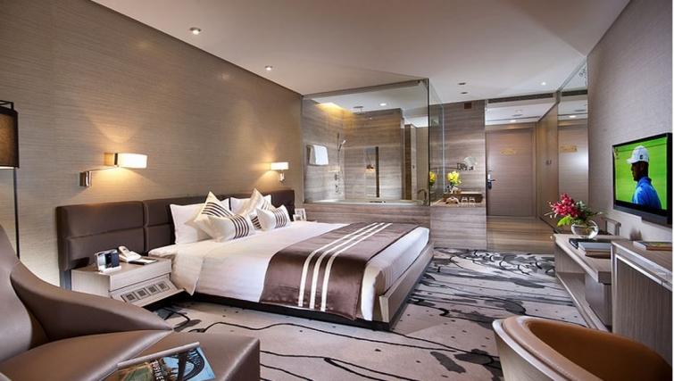 Outstanding bedroom in Ascott Maillen Apartments