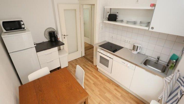 Simplistic kitchen in Nuremberg Apartments