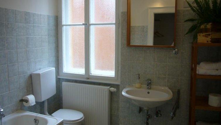Classic bathroom in Nuremberg Apartments