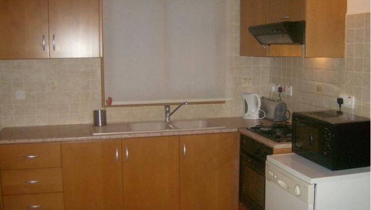 Modern kitchen in Kamilostrata Apartment