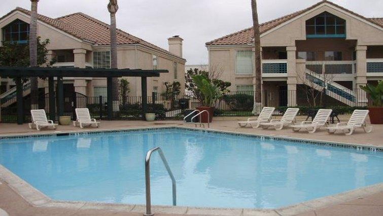 Pool in Staybridge Suites Torrance/Redondo Beach