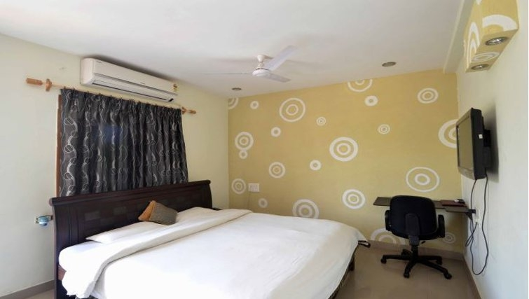Cosy bedroom in Madhapur Apartments