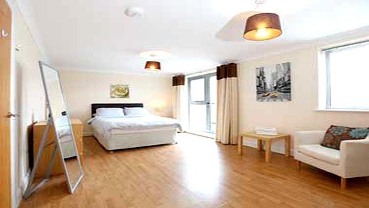 Spacious bedroom in Mandara Point Apartments